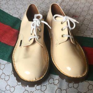 DR Martens shoes girl size 2